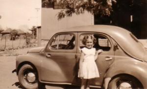 By pa se tweede kar, die Baby Renault.