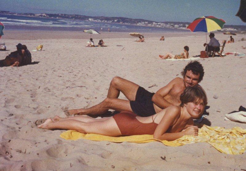Met Annalie. Stilbaai, 1980