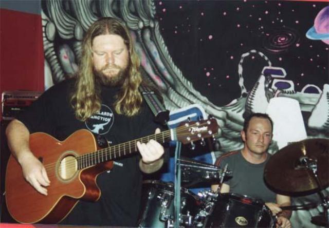 1997 in die Abelarde Sanction, Brixton. Andries en Ockert Greeff stig die Brixton Moord & Roof Orkes.
