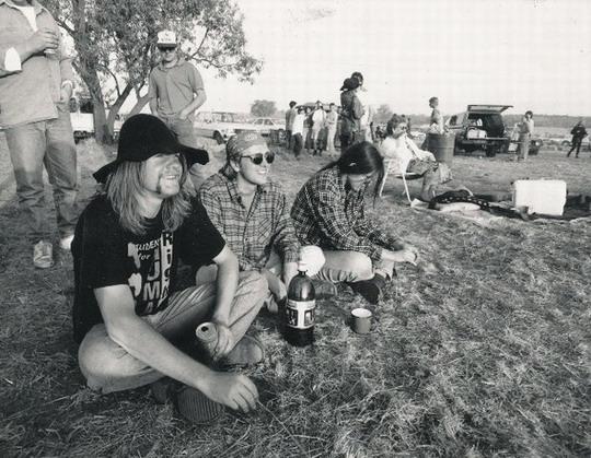 Houtstok in 1990, saam met Bernd Schultz en Karin van Marle.