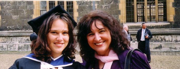 Saam met Marcelle by haar gradeplegtigheid in Oxford, Engeland. 2006