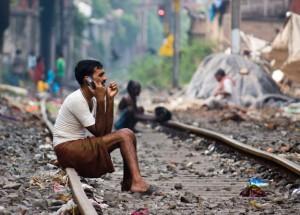 Hallo! Harish? Ek wag vi' jou oppie treinspoor in Kolkata... (c) Rajarshi Chowdhury