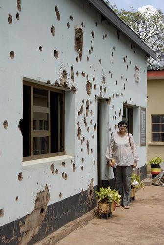 Camp Kigali Rwanda gedenkteken vir die slagting van tien Belgiese valskermsoldate in 1994