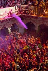 Holi, Bankey Bihari tempel, noord-Indië. ©GettyImages