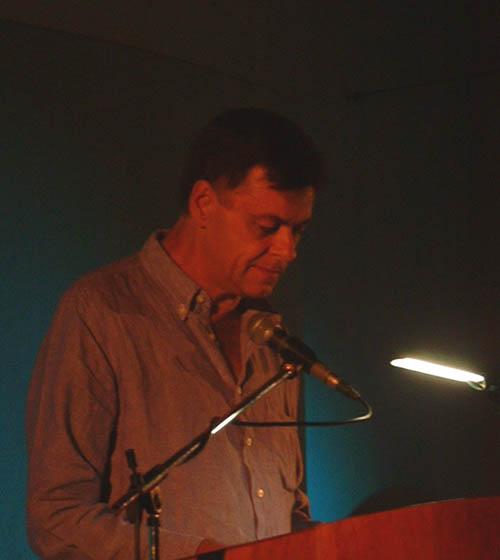 Johann Lodewyk Marais lees sy gedigte voor
