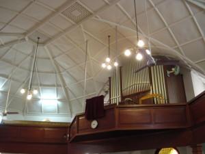 Balkon, waaiers, lampe